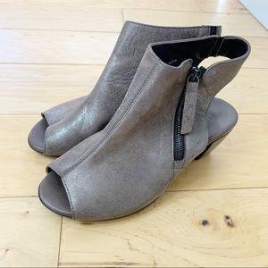 Munro Nakita Open Toe Heeled Bootie Sandal Bronze